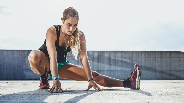 Stretching for Runners - 6 Ways to Take Care of Your Muscles Before and After a Run